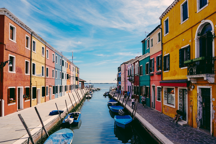 BURANO-nathan-riley-288990-unsplash