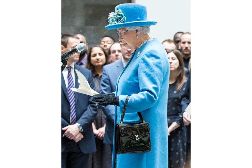 Queen_Elizabeth_II_2015_HO1
